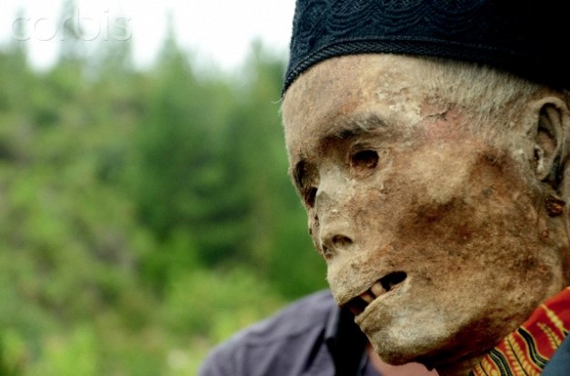 Ma'nene Ritual Cleaning of Tanah Toraja Mummy